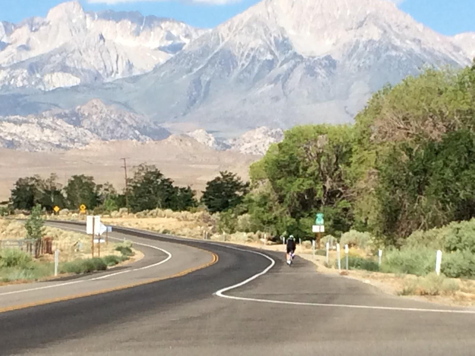 Climbing South Lake by bike - start - cyclist on road
