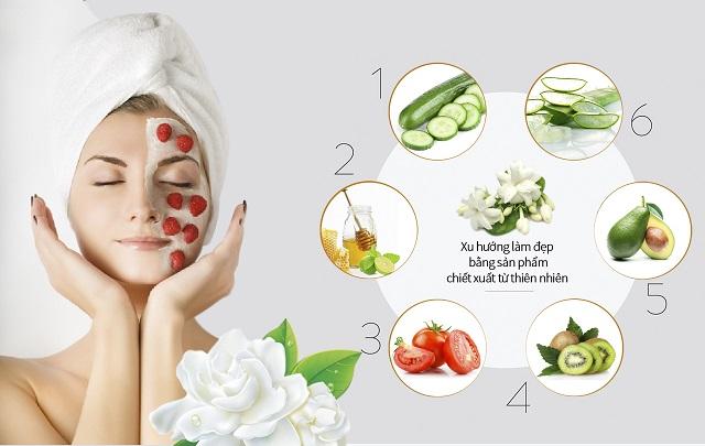 Sử dụng kem dưỡng ẩm và các phương pháp dưỡng da tự nhiên