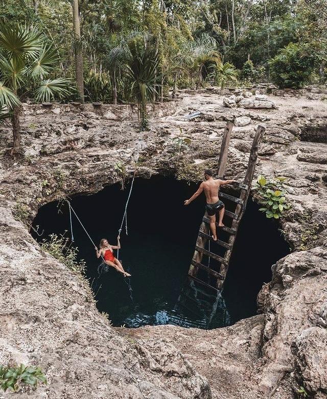 Cenote Calavera en Tulum, México
