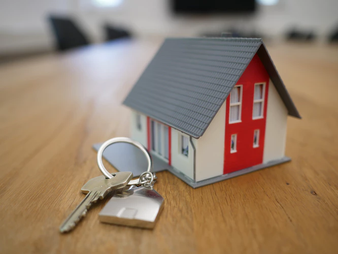 Thinking about buying an investment property to rent? Check out these tips.