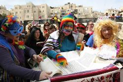 Jerusalem-policeLetWomenReadMegilla_w250.jpg