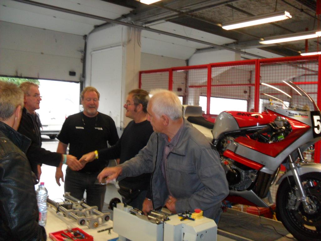 Richard Hubin, Christian Hames, Roger Ruiz, Italo Ricci dans les paddocks