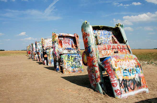 /var/folders/3p/8pww9x9s1r70hqy4rpnwsw2c0000gn/T/com.microsoft.Word/WebArchiveCopyPasteTempFiles/3-13-Weird-Wacky-Attractions-Route-66-Cadillac-Ranch.jpg
