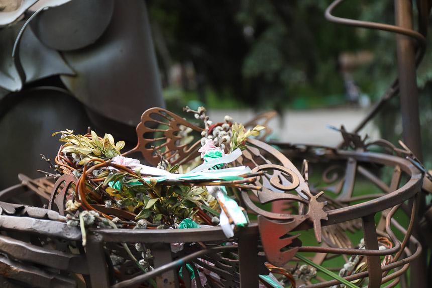TZeIvi7yRYLV6qGUzDBcwyMuVPn2sySdYN7tMP8Xm5kAb8uVkSd70hlzSbLRqHbAdvFMW1LNTA8v1VjcwDMXc5z0dwOfc4nzCYvlMv9QlEUcopj5HNPgYIMjoP5fRWB0fJX9ISml - Хиткі лавки, мало урн та багато зелені - який вигляд мають невеликі сквери у центрі Житомира. Фоторепортаж