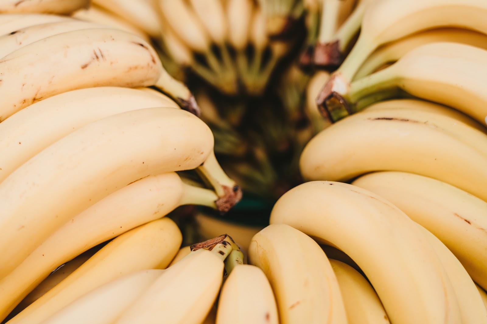 Circle of stacked bananas.