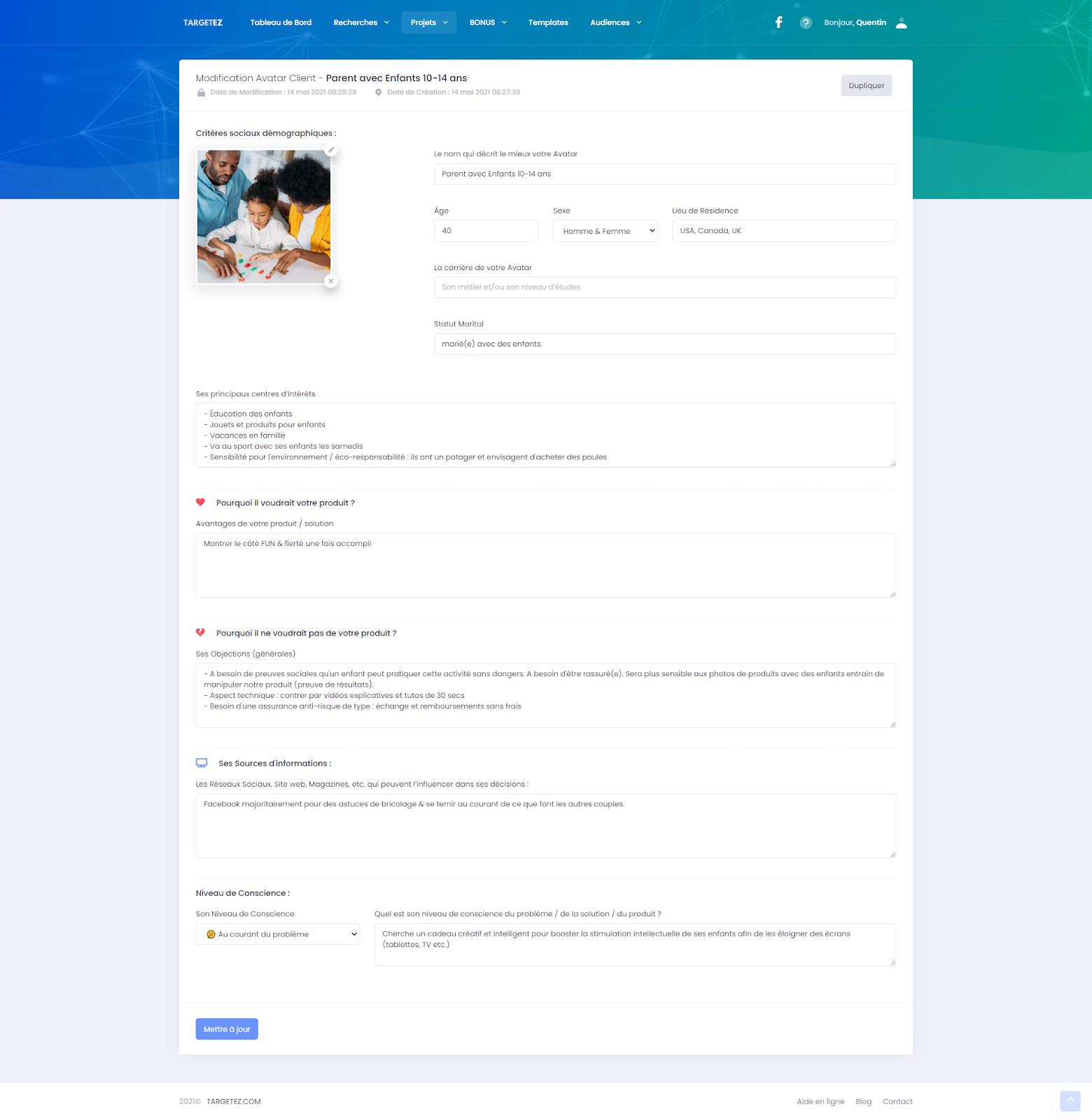 Le module de création d'avatar client de Targetez qui vous guide dans la création de vos persona buyers.