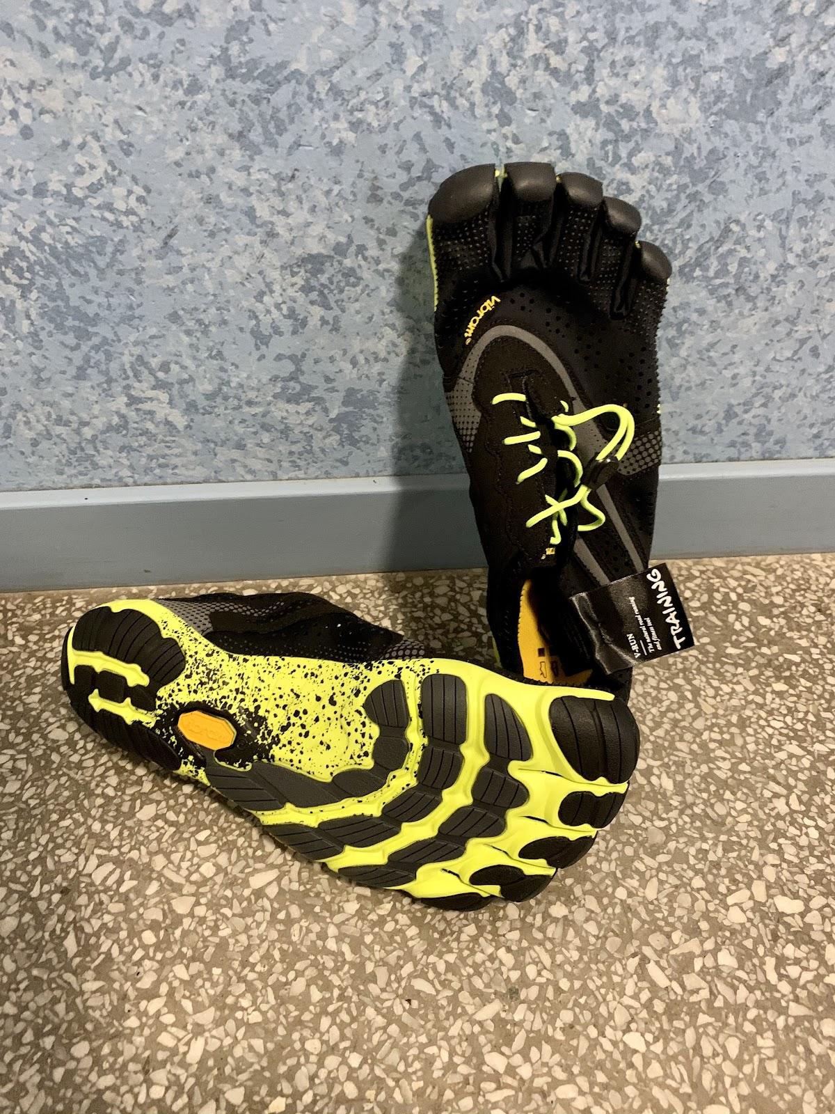 Adam Steen: Barfota utan strumpor och skor, ska jag vandra