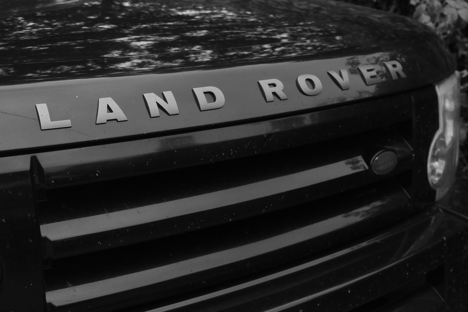 samochód marki Land Rover
