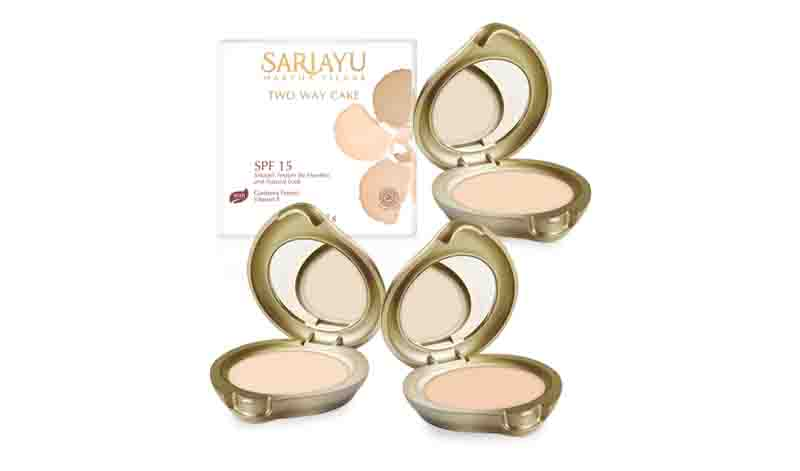 sariayu gold series two way cake.jpg