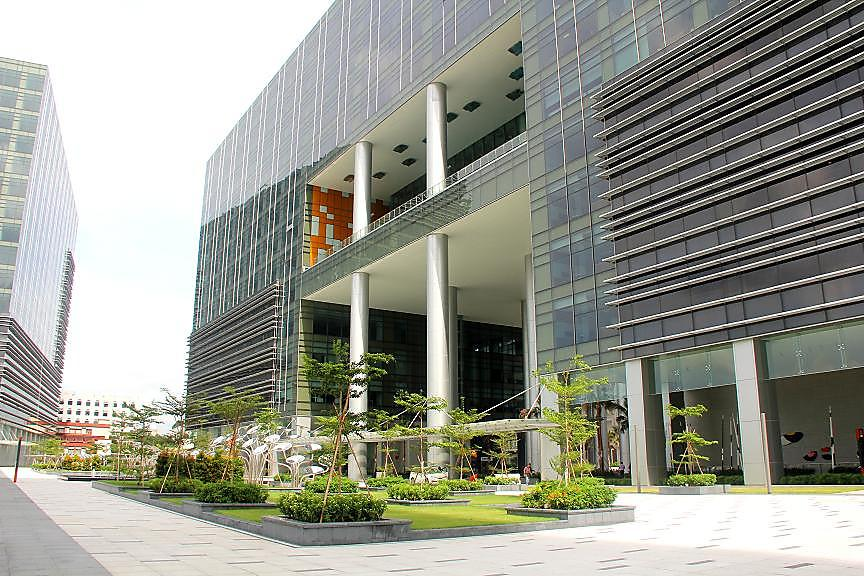 Unilever is one of the largest Manufacturing companies in Singapore
