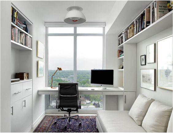 Phòng làm việc có view của sổ tạo cảm giác rộng rãi và thoáng mát