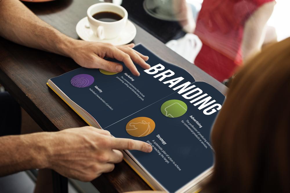 Memberikan pengetahuan produk dalam branding juga membantu menjaga retensi pelanggan.