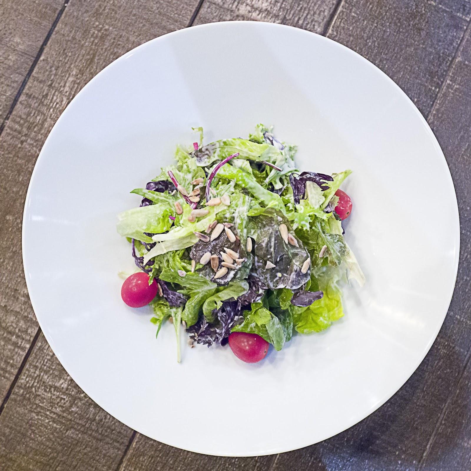 f-salad-L1100458.jpg