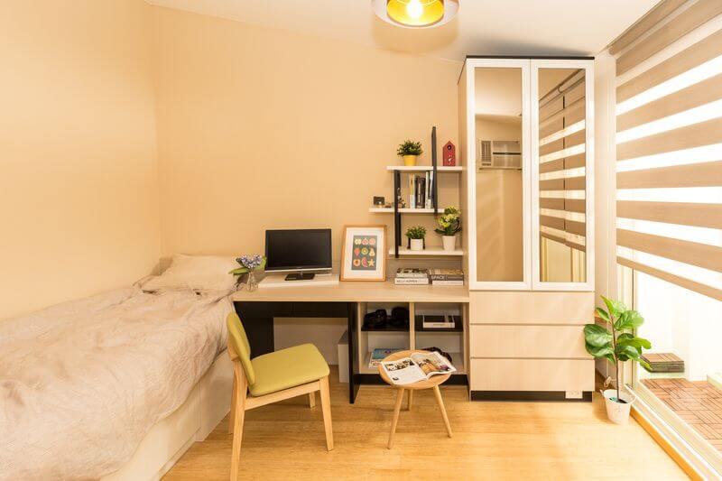 北歐風臥室牆面除了白色以外也可選擇淺色系實木色系或是其它自然色系