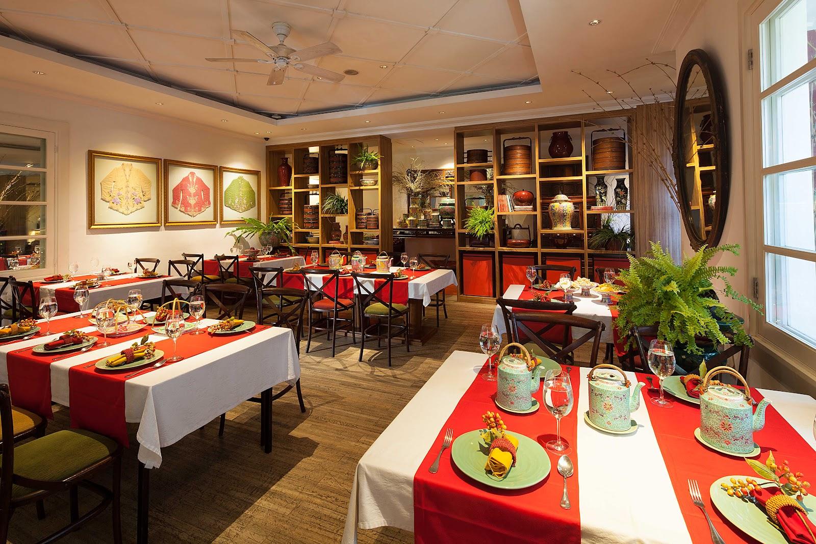 Restoran Meradelima di bilangan Senopati, Jakarta Selatan dengan desain interior Cina Peranakan - source: dining.indonesiatatler.com