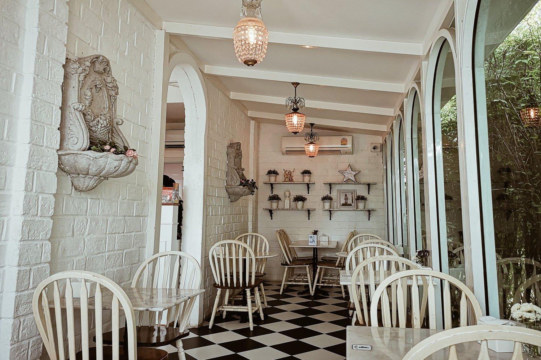 Misstar Cafe by Davikah