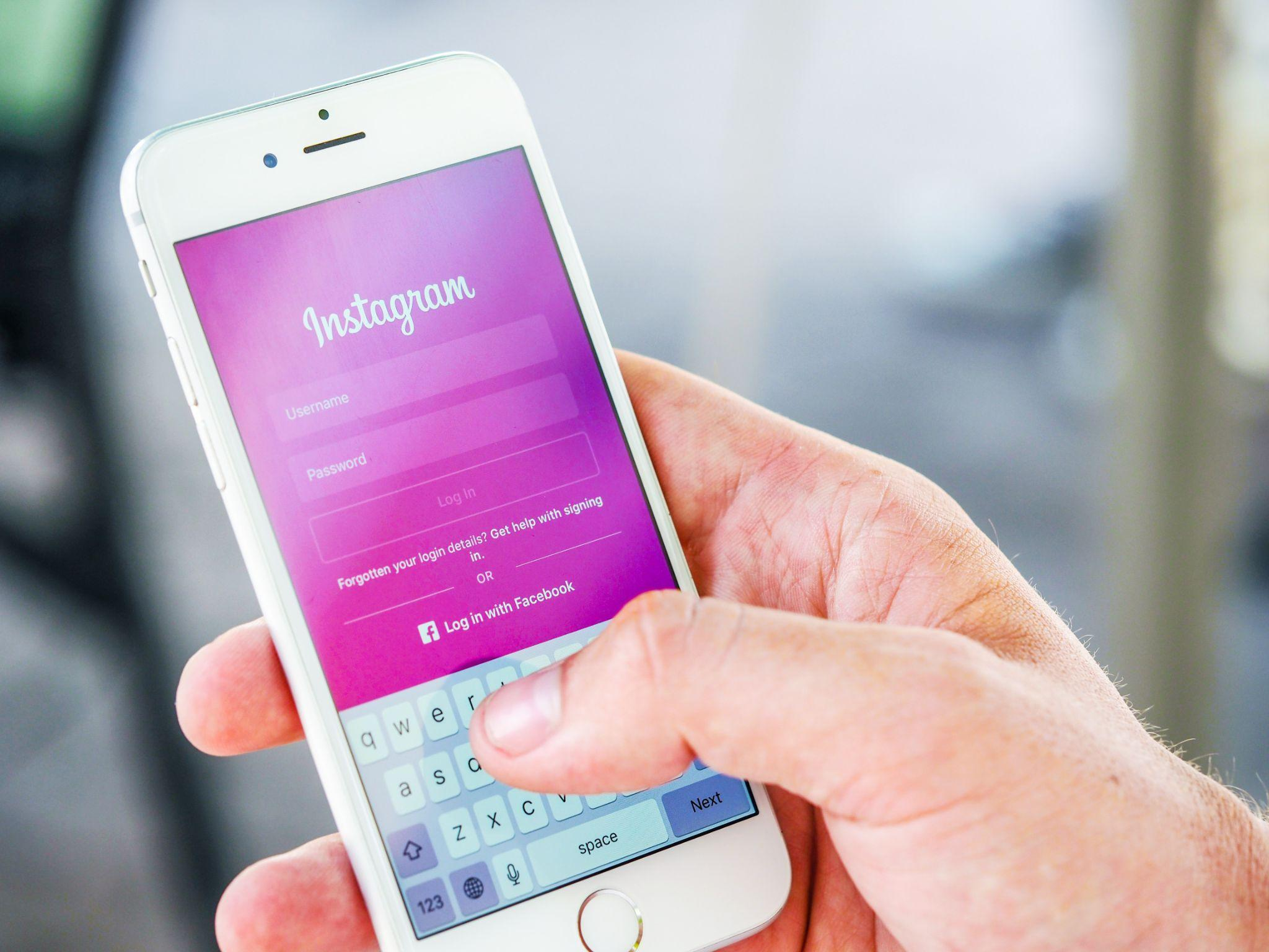 How to Use Instagram to Market the Small Business