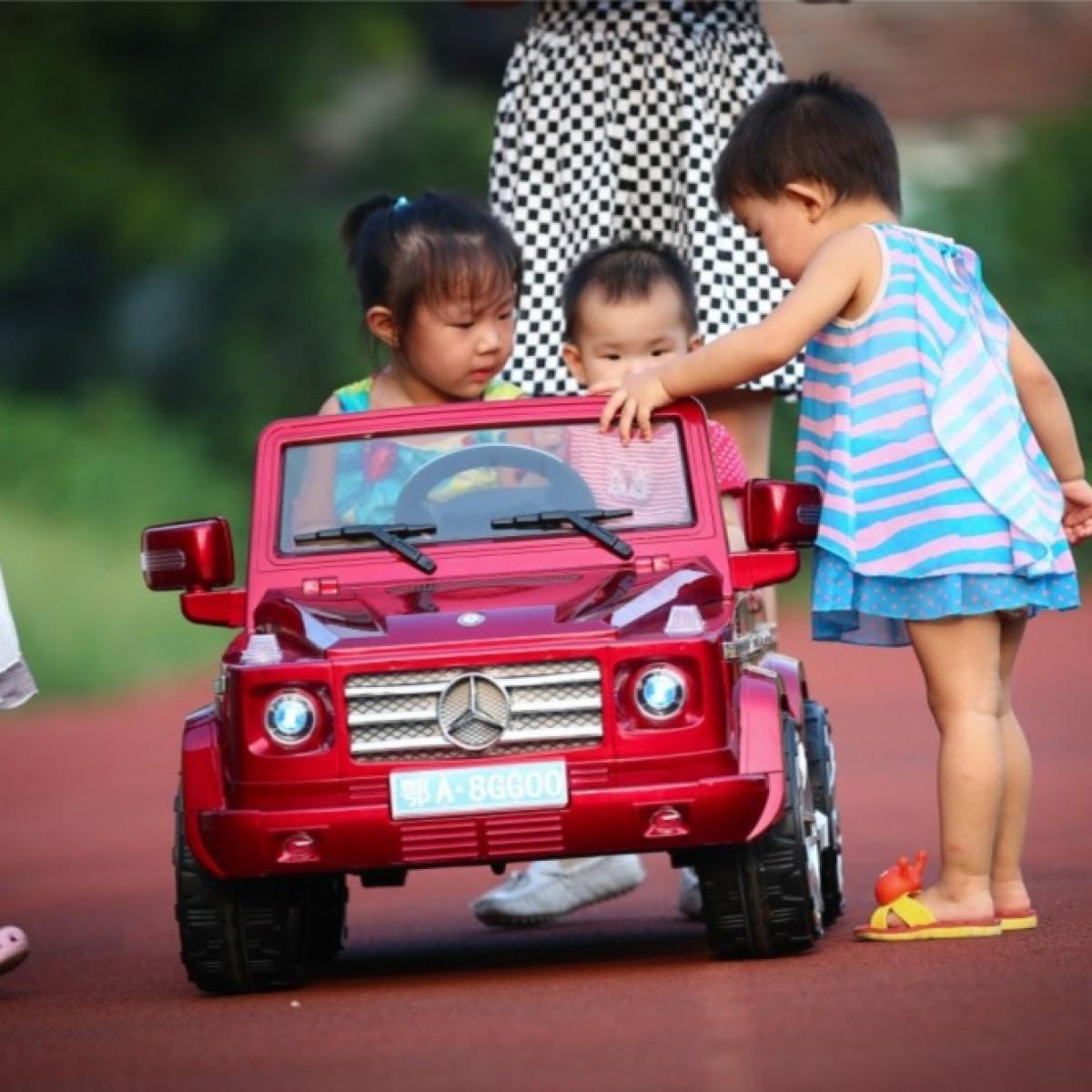 Những lợi ích của xe ô điện trẻ em mang lại cho bé