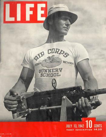 couverture magasine LIFE - soldat avec Tee Shirt