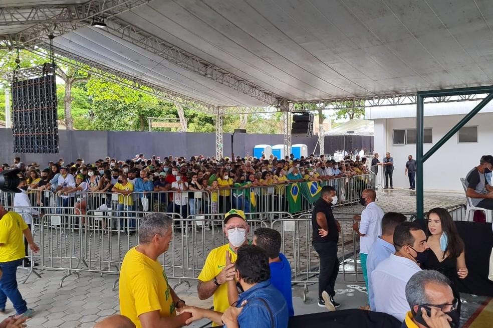 Bolsonaro chega à Bahia para entrega de duplicação de rodovias federais — Foto: Kátia Petersen/TV Santa Cruz
