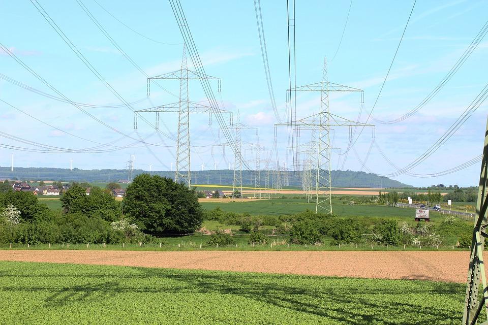 C:\Mamen trabajo\MAMEN\Energías sostenibles\Proyecto Empower Santander\power-line-895716_960_720.jpg