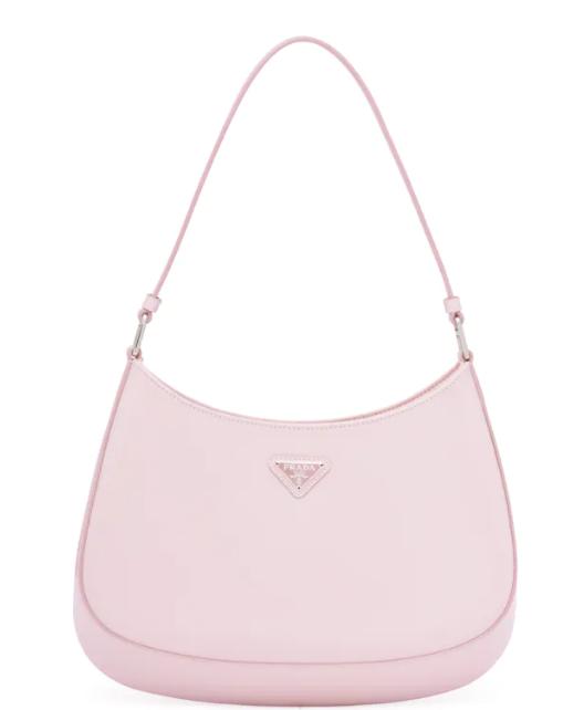 8. กระเป๋าสะพายข้าง: Prada รุ่น Cleo 04
