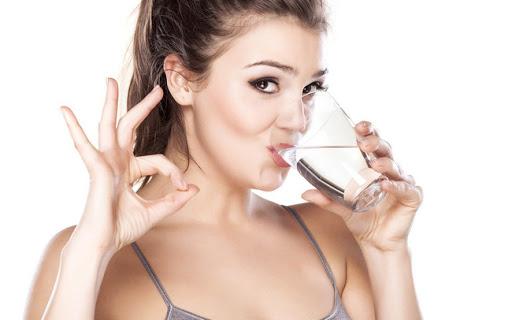 uống nhiều nước tốt cho da