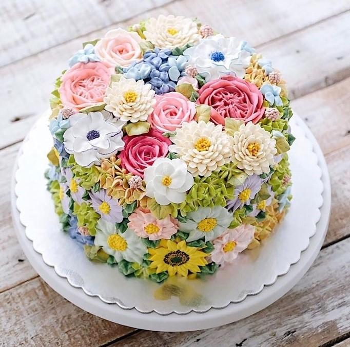 Đến với banhkemsaigon.vn, bạn sẽ có thêm nhiều sự lựa chọn bánh kem sinh nhật hơn