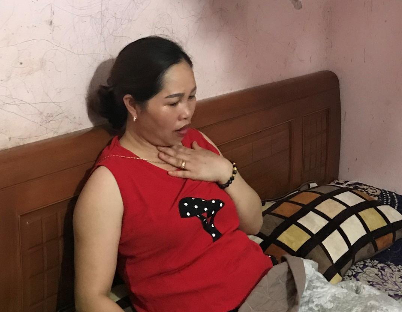 Hạt xơ dây thanh khiến chị Hoan rất mệt mỏi và lo lắng
