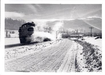 5277 Ski Train001