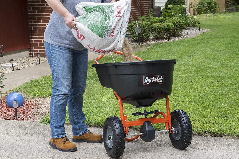 The Best Fertilizer Spreader To Help You Grow a Lush Lawn - Bob Vila