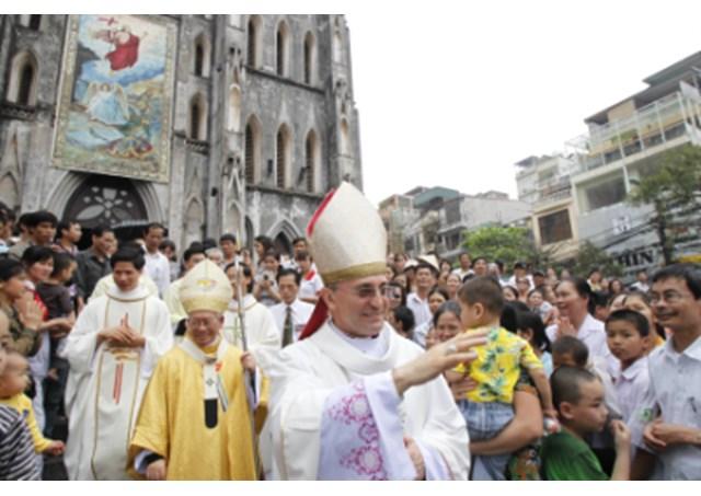 Phái viên của Vatican kêu gọi Việt nam tôn trọng tự do tôn giáo