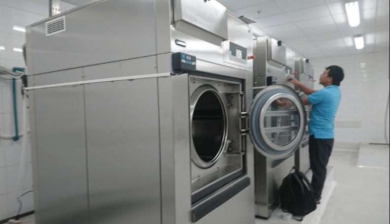 Vai trò của máy giặt công nghiệp trong cuộc sống hiện nay