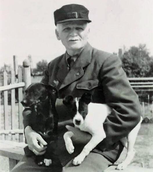 Михайло Омелянович-Павленко на відпочинку. Аугсбург (Німеччина), близько 1947 року