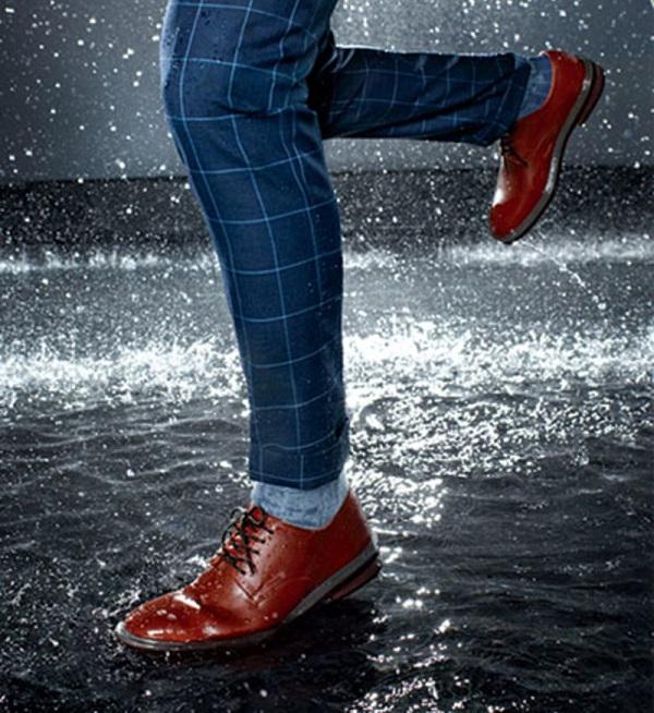 cách-bảo-quản-giày-da-nam-trong-mùa-mưa.jpg