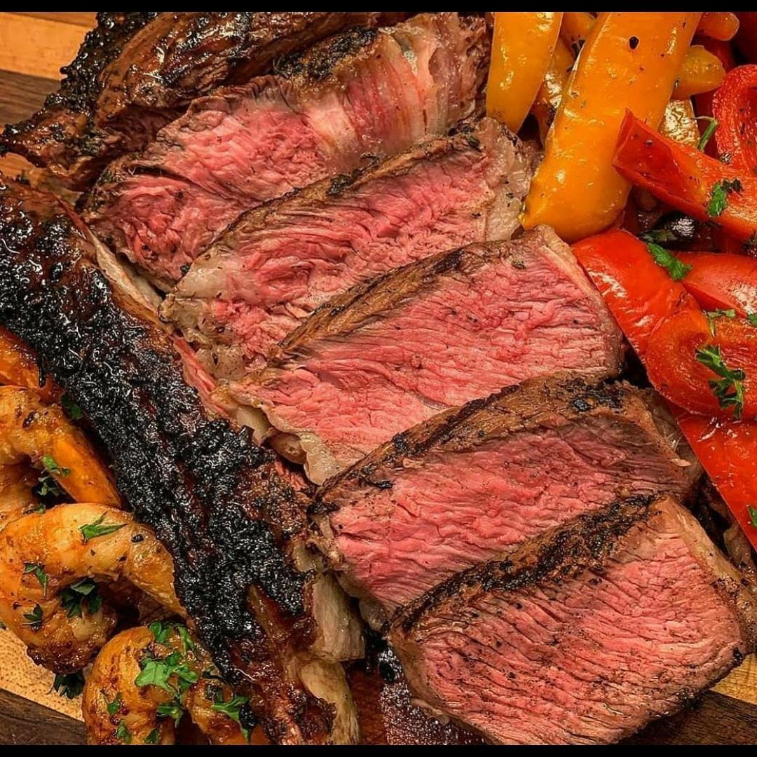 Carne e vegetais  Descrição gerada automaticamente