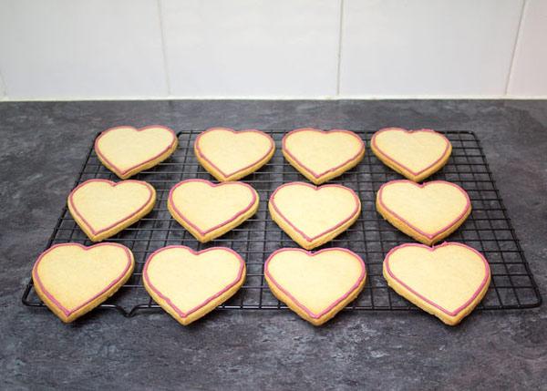 cookies 12 طرز تهیه شیرینی قلبی روز ولنتاین + آموزش تهیه کوکی قبلی و عاشقانه