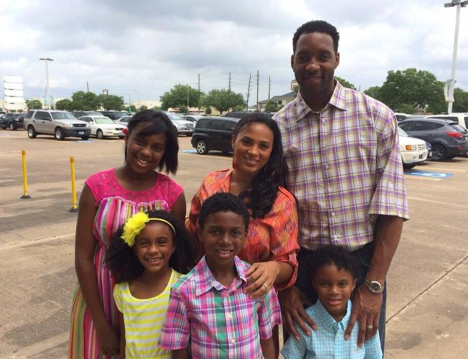 Tracy McGrady with his wife Clerenda Harris and their children Layla Clarice, Laycee Aloe, Laymen Lamar and Layden