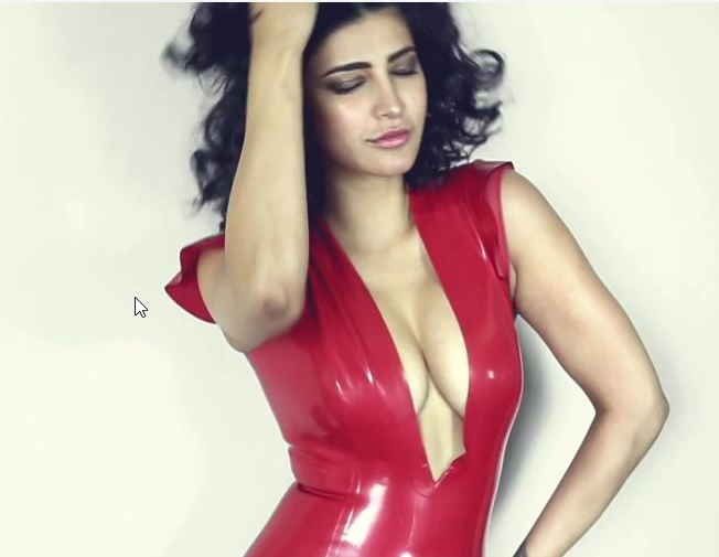 Can we see this Glamour and Exposing Shruti Haasan again? These Hot Compilation photos will say so!