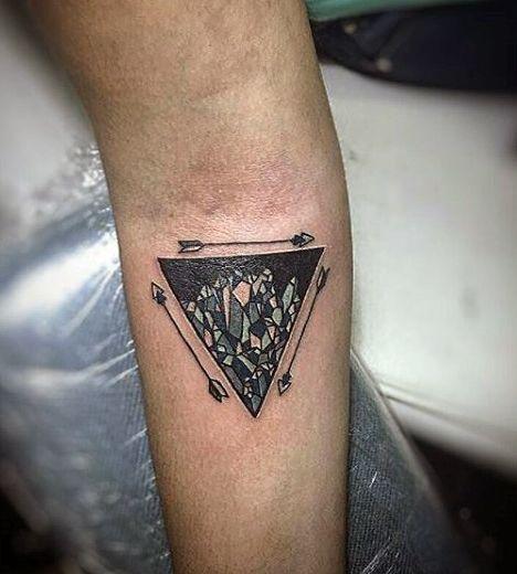 ลายสักสามเหลี่ยมผู้ชาย 04