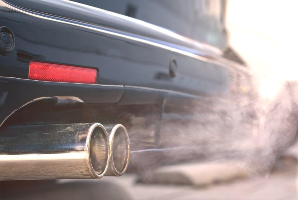 Motores a combustão estão sendo banidos em vários países da Europa, Ásia e em partes dos Estados Unidos. (Fonte: Shutterstock/Lightspruch/Reprodução)