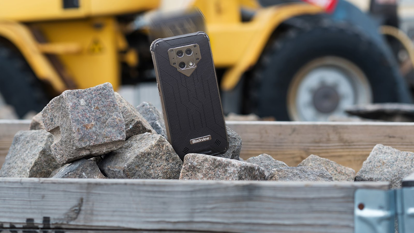 Near Indestructible Rugged Phone With Thermal Camera