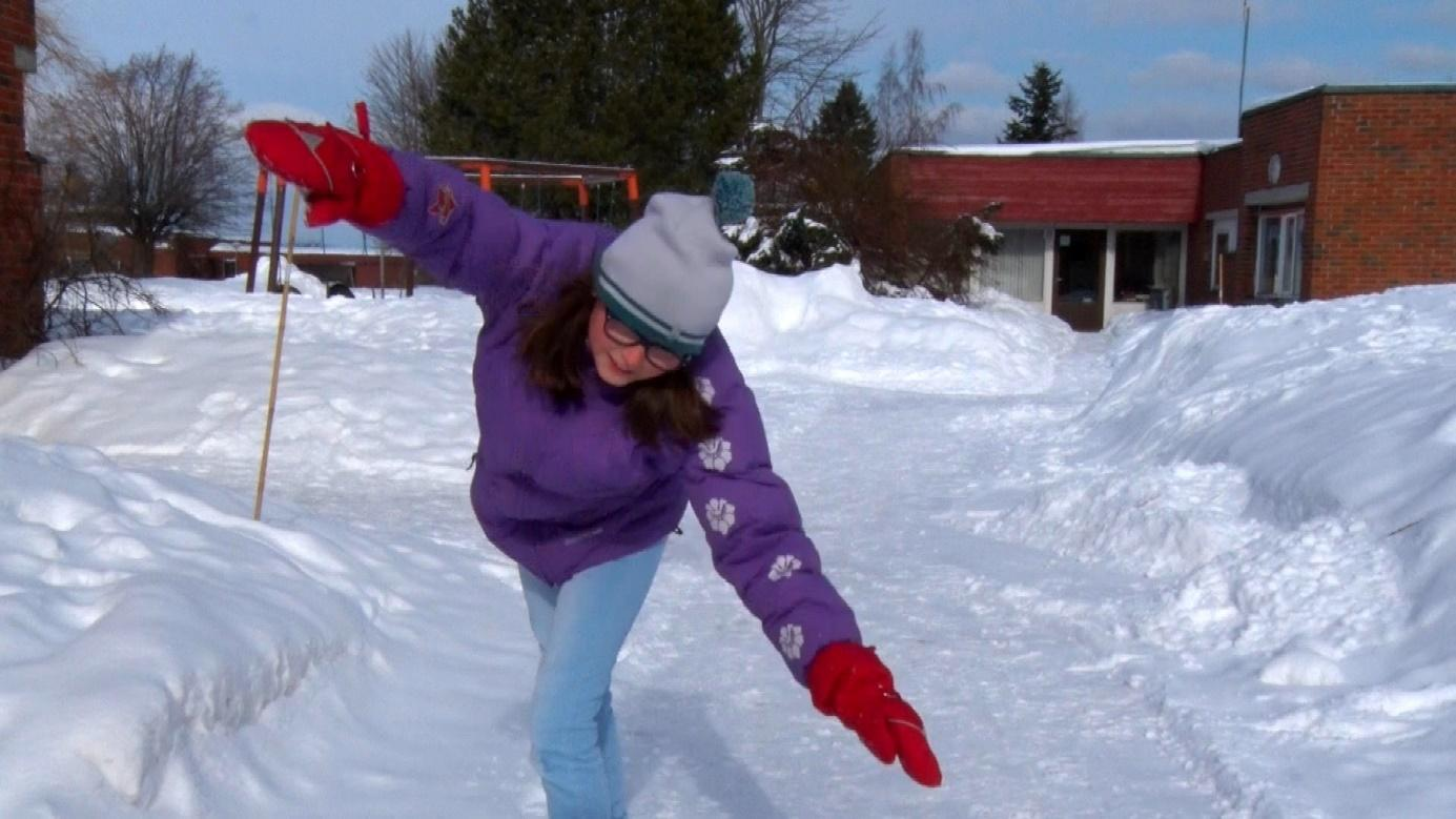 Et bilde som inneholder snø, utendørs, gå på ski, person  Automatisk generert beskrivelse