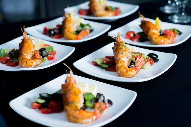 Thực đơn tiệc cưới Salad tôm hùm Bắc Mỹ - Gan ngỗng