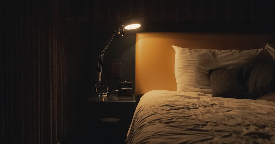 Hotel Tips: 8 Essential Do's & Do Not's To Avoid A Creepy Hotel Stay