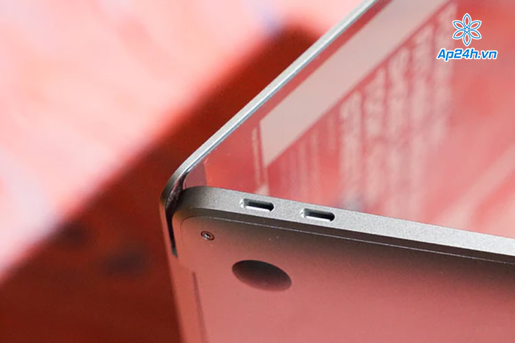 MacBook Air M1 - Chiếc MacBook đầu tiên có 4 cổng USB