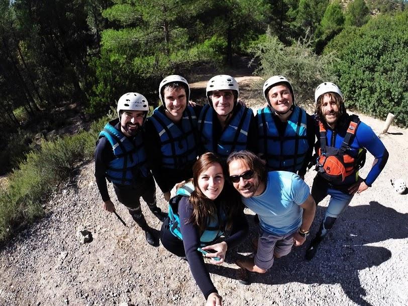 Equipo rafting en Venta del Moro