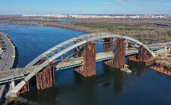 Хищения на строительстве Подольского моста в Киеве: прошло 17 обысков |  Экономическая правда