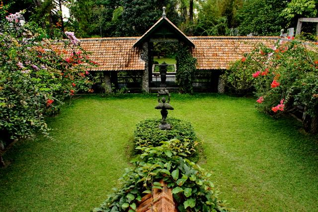 http://www.topindonesiaholidays.com/blog/wp-content/uploads/2015/07/ulen-sentalu-2.jpeg