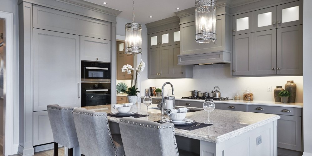 Traditional Range Hood with a Transitional Twist